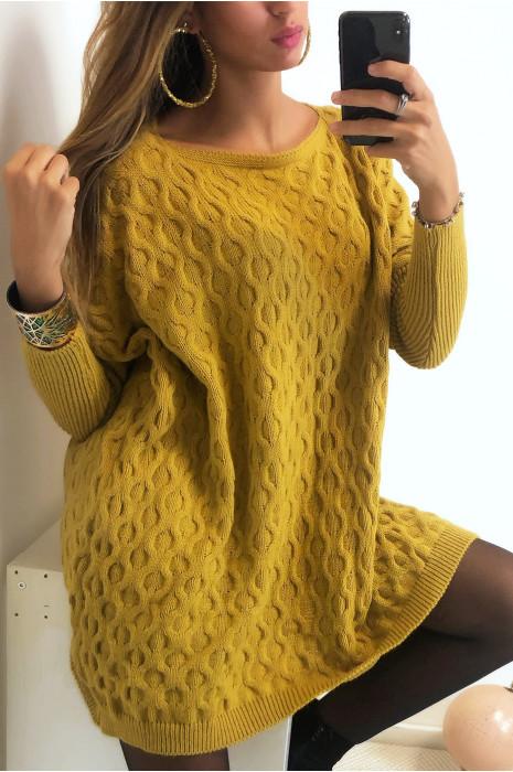 Magnifique pull ample en moutarde avec joli motif tressé