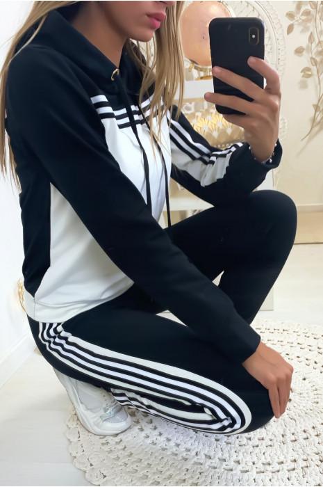 Magnifique ensemble jogging avec bandes en noir et blanc