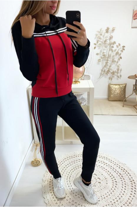 Magnifique ensemble jogging avec bandes en noir et rouge