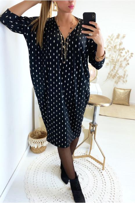 Magnifique robe tunique ample en noir avec motif losange doré et zip au col