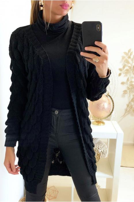Magnifique gilet noir très classe avec motif tressé en forme de feuille