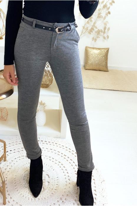 Magnifique pantalon slim gris avec poches et ceinture