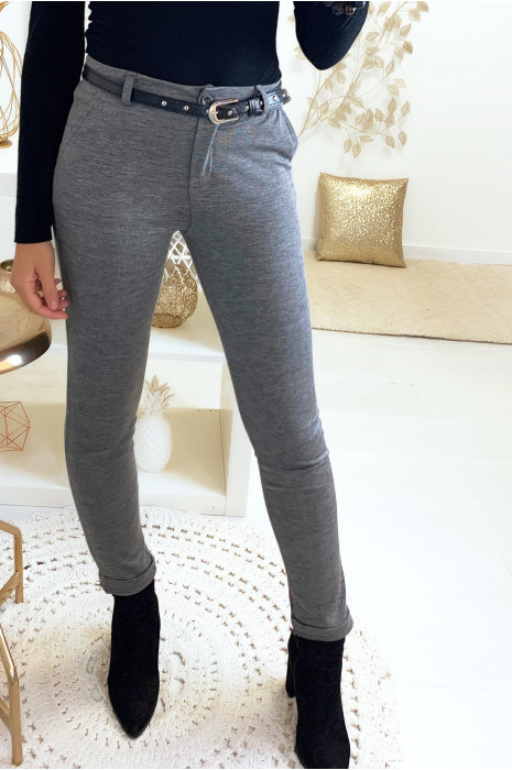 Mooie grijze slanke broek met steekzakken en riem