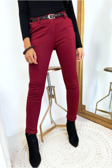 Magnifique pantalon slim bordeaux avec poches et ceinture