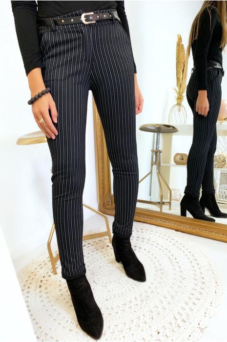 Zwart gestreepte skinny broek met zakken en riem