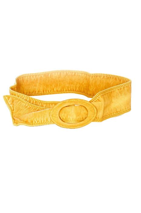 Supple belt with large Mustard buckle. BG-3003