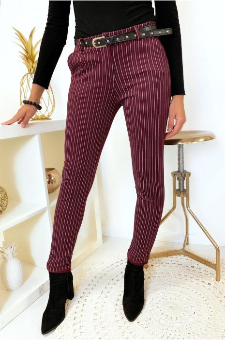 Pantalon slim bordeaux rayé avec poches et ceinture