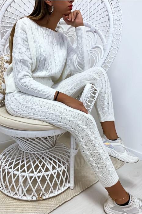 Ensemble pull ample et joggings blanc en maille tressé très fashion