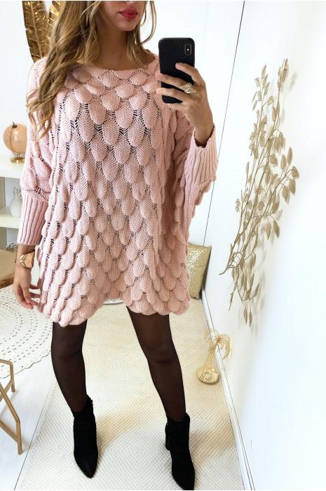 Robe pull rose ample très fashion tressé en forme de feuille