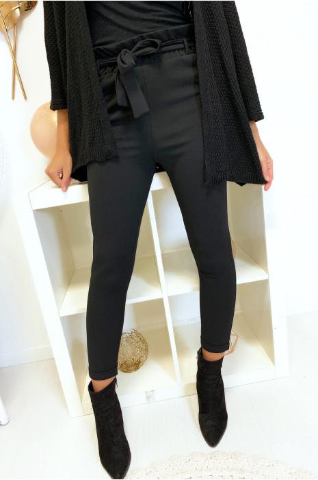 Pantalon noir taille haute avec ceinture et poches