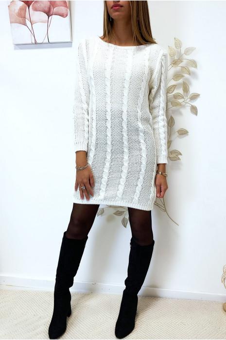Joli robe pull torsadé blanche en manche longue