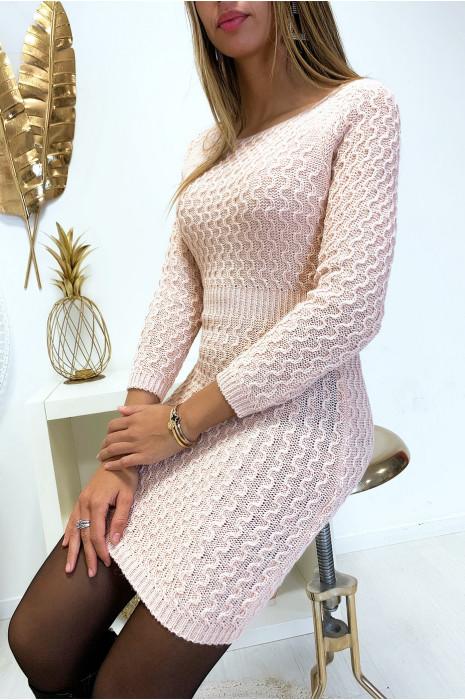 Magnifique robe pull rose joliment tressé cintré à la taille