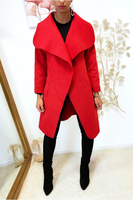 Veste 3/4 en rouge avec grand col tombant, poches et ceinture