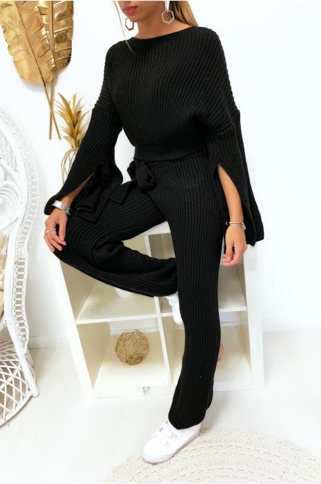 Sublime ensemble pull et pantalon noir bien épais ouvert aux manches