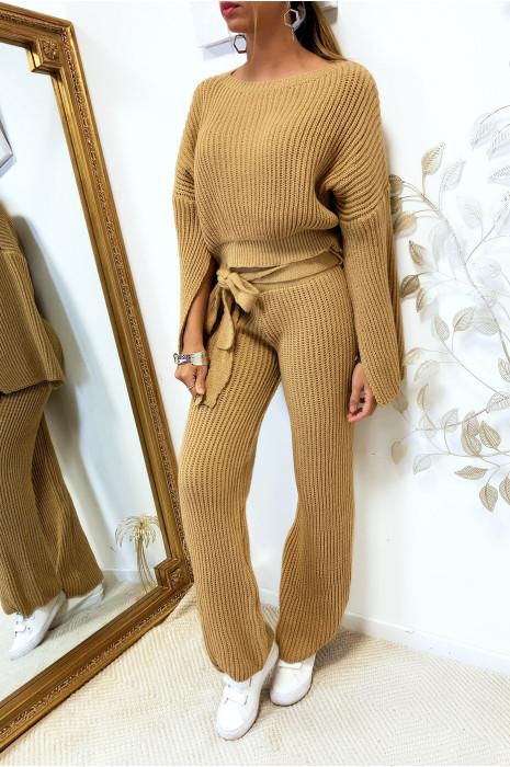 Sublime ensemble pull et pantalon camel bien épais ouvert aux manches