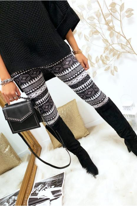 Legging avec imprimés en triangle en gris, noir et blanc. G9-237