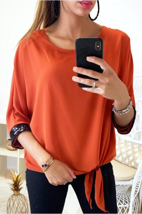 Jolie blouse cognac en voile doublé avec noeud devant et strass aux manches