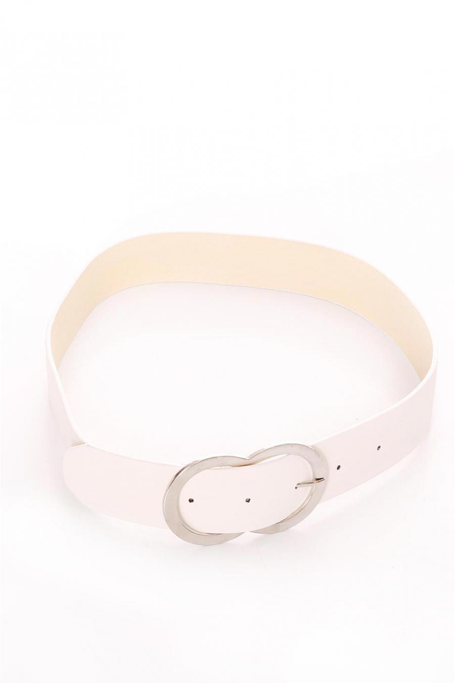 Basic white belt with silver buckle. BG-PO43