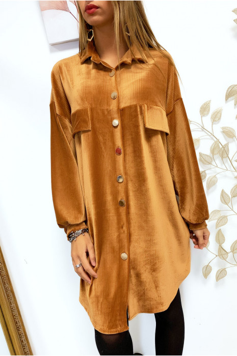 Magnifique robe chemise camel over size en velours avec boutons doré et poches