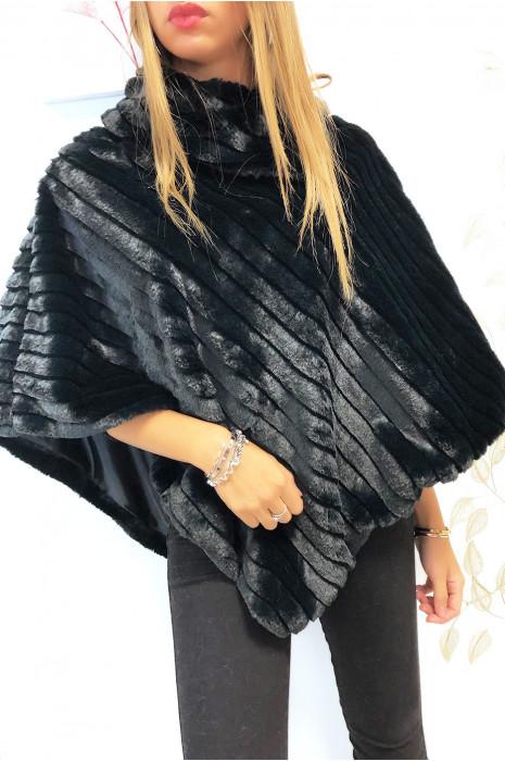 Magnifique poncho noir très doux