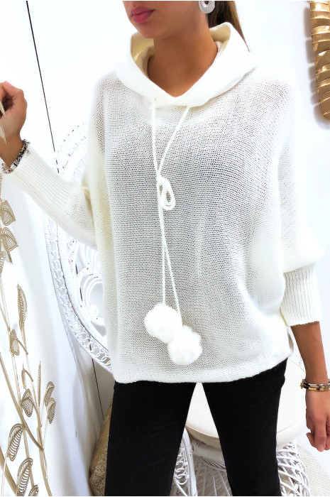 Joli pull à capuche blanc avec lacet pompon