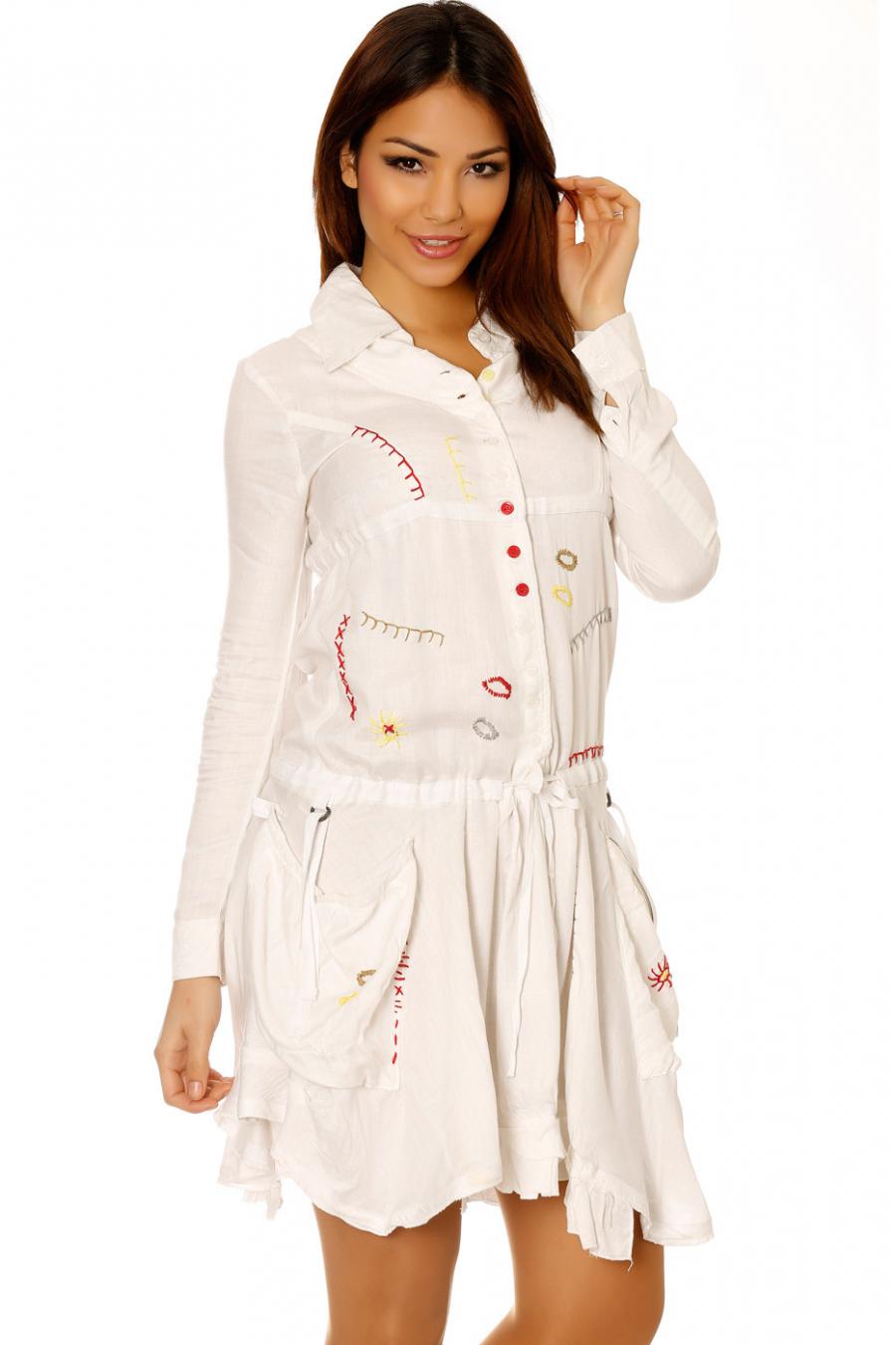 Robe tunique beige boutonné avec broderie. Vêtement femme petit prix 921