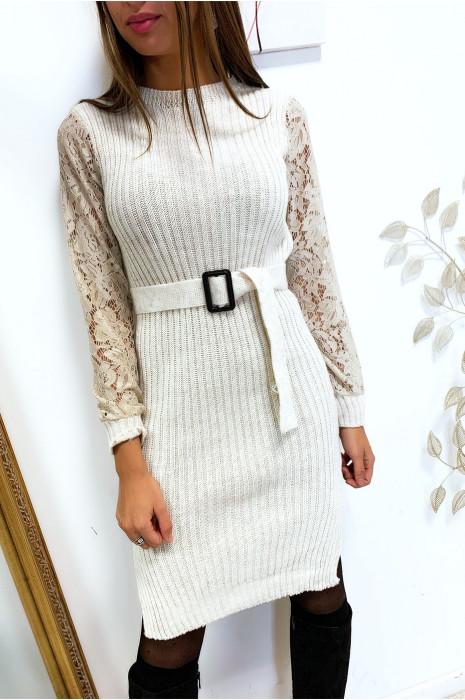 Magnifique robe pull beige manche en dentelle avec ceinture