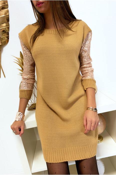 Magnifique robe pull camel avec manches en strass