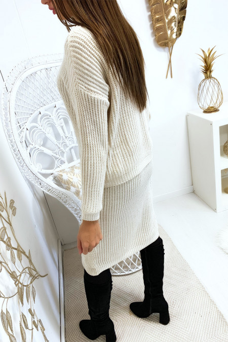 Beige sweater and 3/4 skirt set with braided pattern