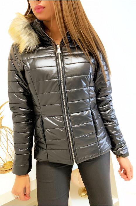 Doudoune noir avec poches et capuche amovible contouré de fourrure synthétique