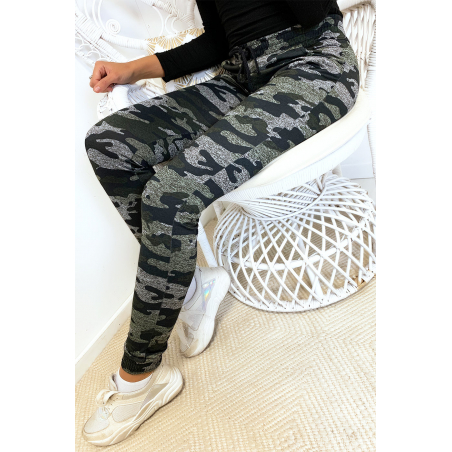 Black military jogging pants with pockets. Enleg 9-169.