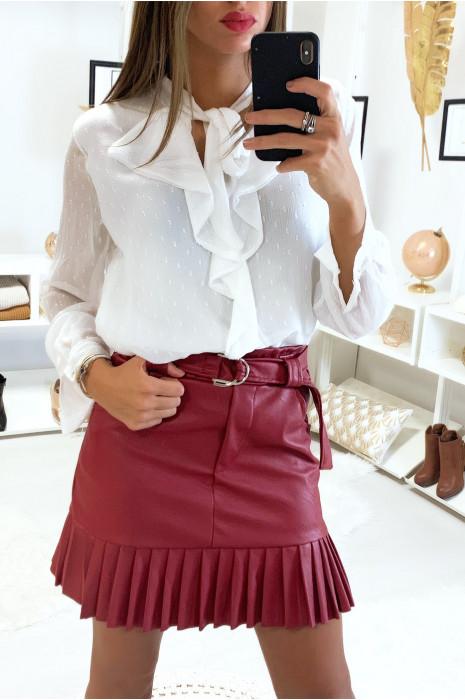 Jolie jupe bordeaux très tendance en simili avec ceinture plis et poche