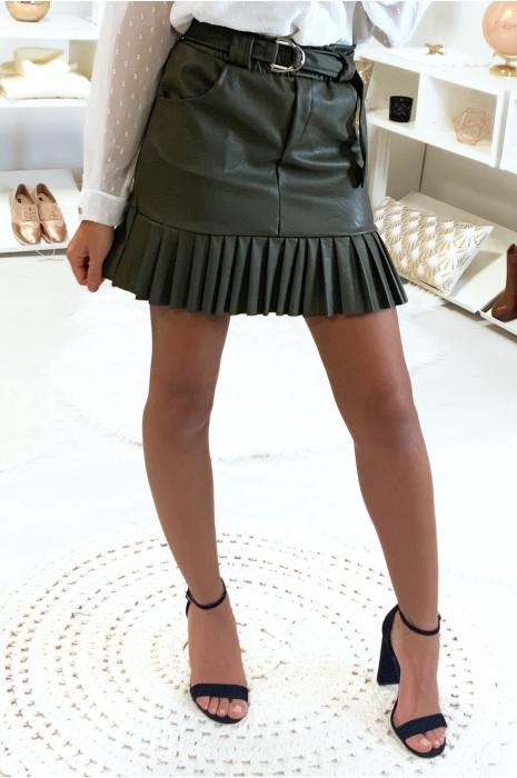 Mooie trendy kaki rok van imitatieleer met geplooide riem en zakje