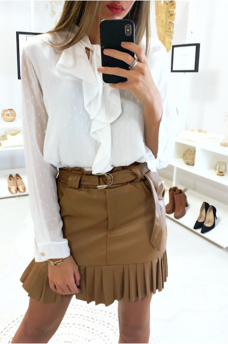 Jolie jupe camel très tendance en simili avec ceinture plis et poche