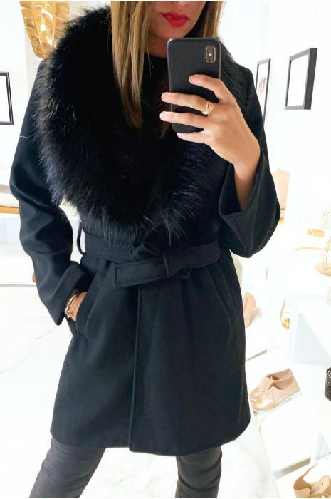 Joli manteau noir croisé avec sublime fourrure synthétique au col