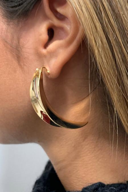 Gouden oorbel.