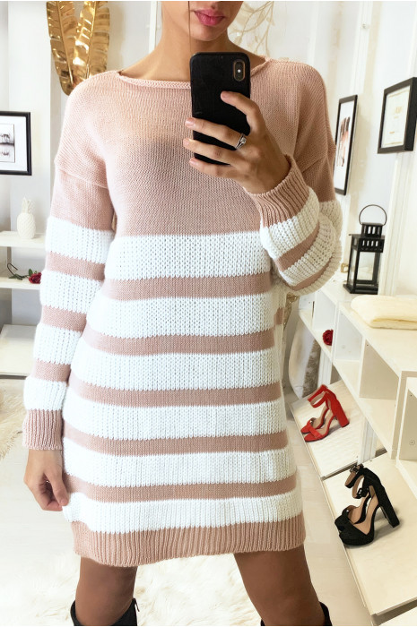 Robe pull très tendance en rose et blanc