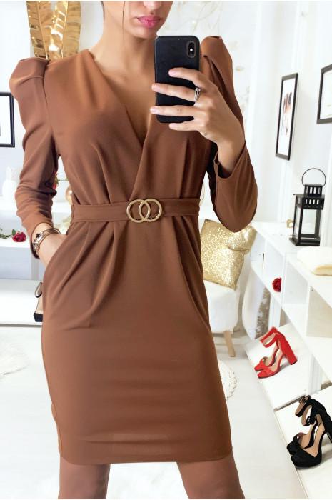 Magnifique robe cognac croisé avec épaules bouffantes, anneaux et poches