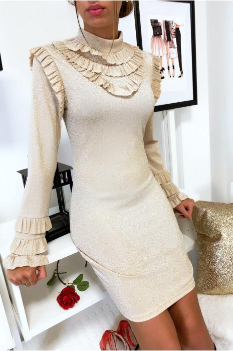 Robe brillante en beige avec froufrou au col aux épaules et aux manches