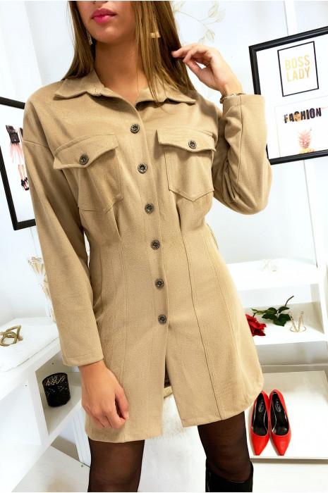 Robe chemise an velours beige côtelé avec poches en haut et cintré en bas