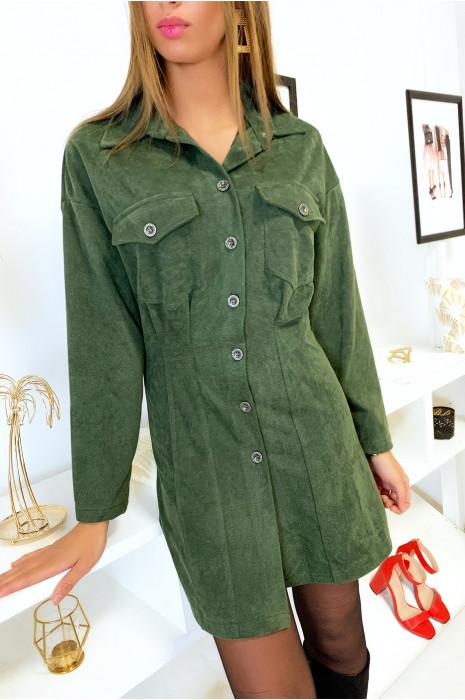 Robe chemise an velours kaki côtelé avec poches en haut et cintré en bas