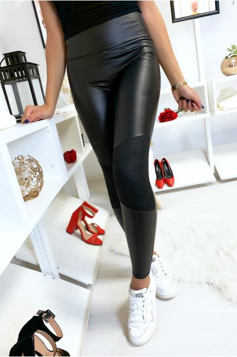 Legging noir en simili avec suédine aux genoux. 6971