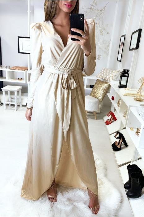Sublime robe porte feuille beige dans une jolie matière brillante