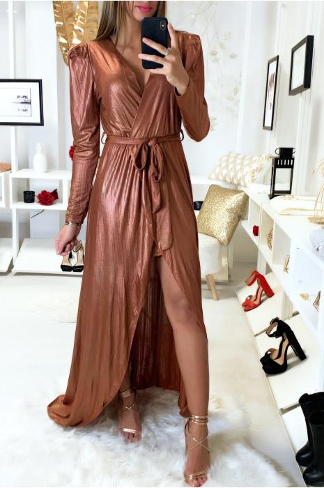 Sublime robe porte feuille cognac dans une jolie matière brillante