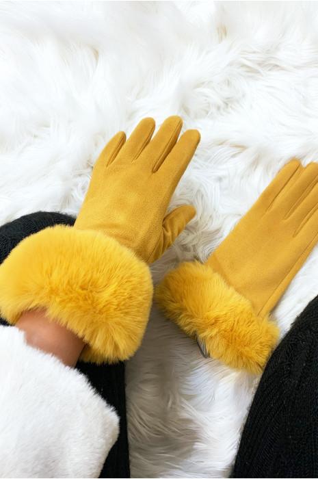 Superbe gants moutarde matière daim avec fourrure