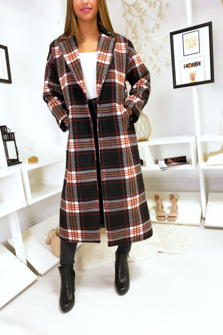 Long black checked coat with pocket and belt