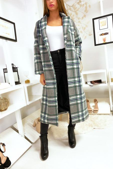 Long gray checked coat with pocket and belt