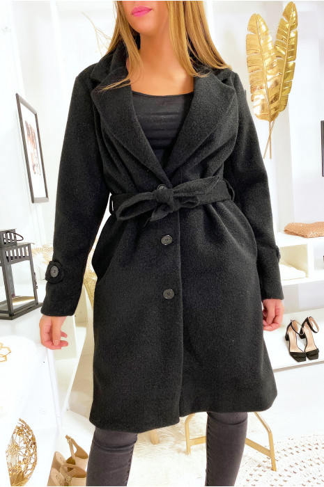 Veste noir doublé dans une belle matière douce et chaude avec poches boutons et ceinture