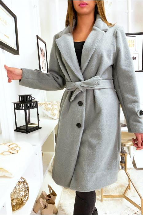Veste grise doublé dans une belle matière douce et chaude avec poches boutons et ceinture