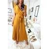 Longue robe moutarde brillante plissé à la jupe et aux épaules